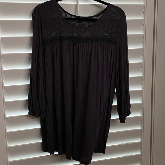 NWOT Gray Eyelet Yoke so XL Suzanne Bentro